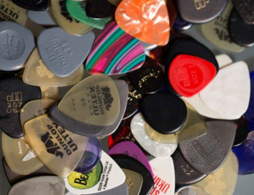 Pick, Plektrum, Plektron, Gitarrenplättchen