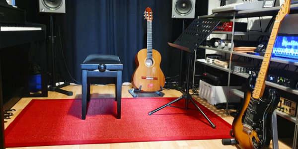 Der rote Teppich. Creative Music School.